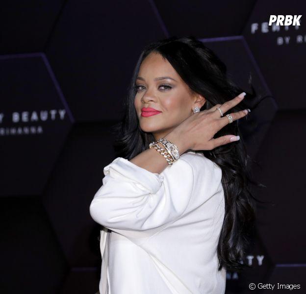 Rihanna fala sobre racismo e cita atitude de presidente dos Estados Unidos