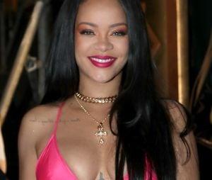 """Rihanna reflete sobre cancelamento de show no Super Bowl: """"Não podia ser essa vendida"""""""