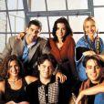 """Primeira foto de Jennifer Aniston no Instagram é com o elenco de """"Friends"""""""