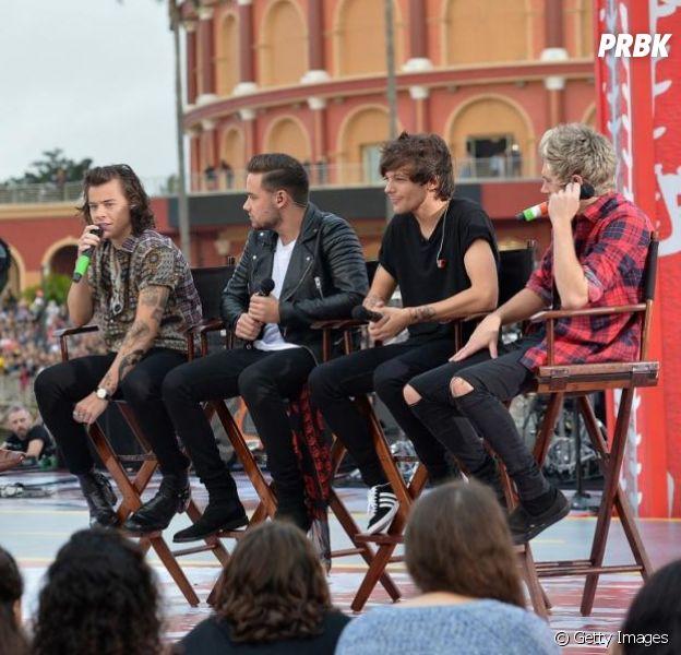 """One Direction sobe ao palco do programa """"The Sun"""" sem Zayn Malik"""