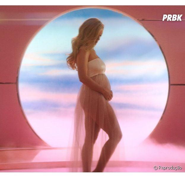 Katy Perry revela que está grávida de Orlando Bloom e internet pira