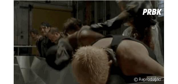 """Vai dizer que essa cena não te deu arrepios em """"The Walking Dead""""?"""