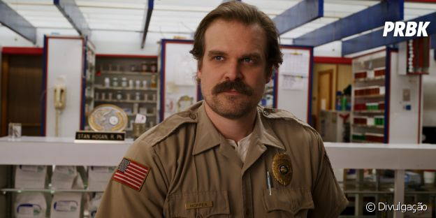 """Stranger Things"": David Harbour avisou que o passado de Hopper será explorado na 4ª temporada"