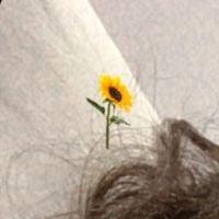 A Bruna Marquezine está em transição capilar e mostrou como ficou seu cabelo após corte
