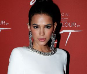 Em transição capilar, Bruna Marquezine adota cabelo mais curto para acelerar processo! Veja