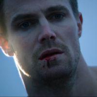 """Na 3ª temporada de """"Arrow"""": Oliver tem destino trágico em mid-season finale chocante!"""