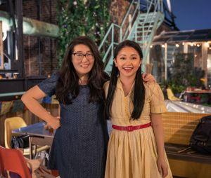 """""""Para Todos os Garotos: Agora e Para Sempre"""" é baseado no último livro da trilogia escrita por Jenny Han (esquerda)"""