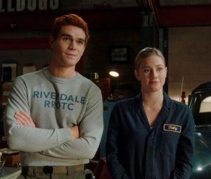 """Além de Archie (KJ Apa) e Betty (Lili Reinhairt) em """"Riverdale"""", veja outros casais sem química do mundo das séries"""