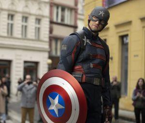 """John Walker (Wyatt Russel) pode assumir a identidade do Agente Americano em """"Falcão e o Soldado Invernal"""""""
