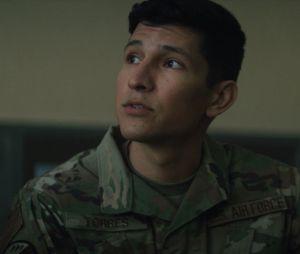 """""""Falcão e o Soldado Invernal"""": Joaquin Torres (Danny Ramirez) pode assumir o manto do Falcão no futuro da Marvel"""