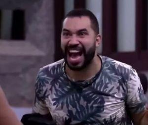 """""""BBB21"""": Gilberto fala de política no programa e lança bordão """"O Brasil tá lascado!"""""""