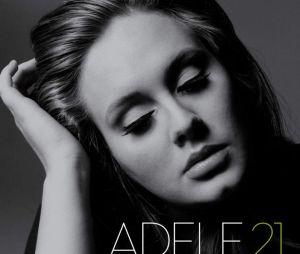 """Segundo álbum de Adele, """"21"""", apresenta faixas sobre traição e separação"""