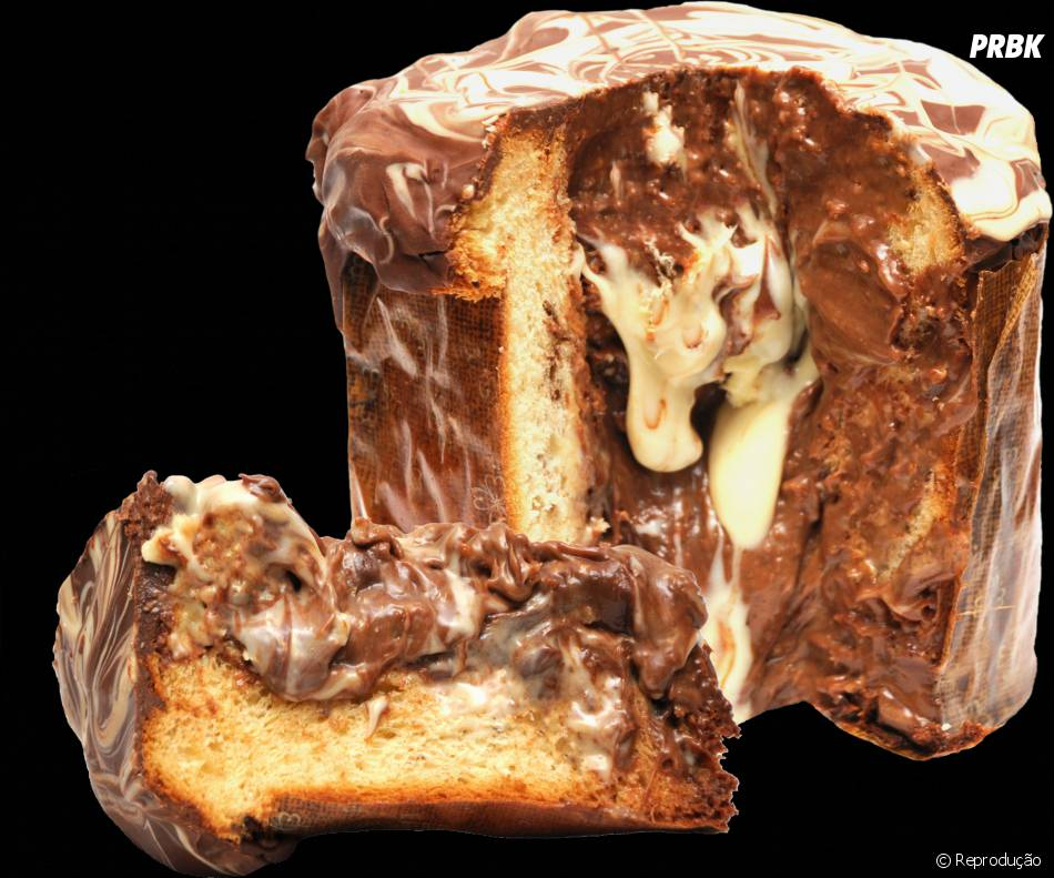 Panetone de mousse de chocolate branco e preto mesclado deve ser um absurdo de delícia!