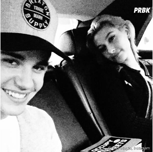 Justin Bieber e Hailey Baldwin no carro