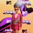 MTV Miaw 2021: Manu Gavassi usou um blazer com modelagem alongada, com tiras de strass formando uma franja by Mayara Bozzato