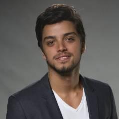 """Rodrigo Simas diz que par romântico em novela é uma questão de tempo: """"Já já ele se acha com alguém"""""""