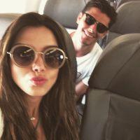 Giovanna Lancellotti e Bruno Gissoni desembarcam na Bahia para o Réveillon