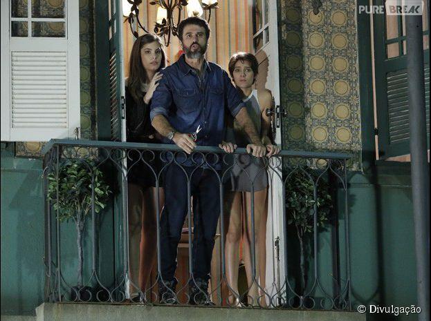 """Gael (Eriberto Leão) fica revoltadíssimo e faz escândalo quando vê Pedro(Rafael Vitti) no quarto de Karina (Isabella Santoni)em """"Malhação"""""""