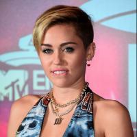 """Miley Cyrus anuncia participação de Sky Ferreira e Icona Pop na turnê """"Bangerz"""""""