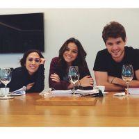 Bruna Marquezine posta foto sem maquiagem ao lado de Tatá Werneck e Mauricio Destri