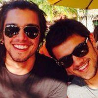 Felipe Simas faz aniversário e ganha declaração fofa no Instagram do irmão, Rodrigo Simas