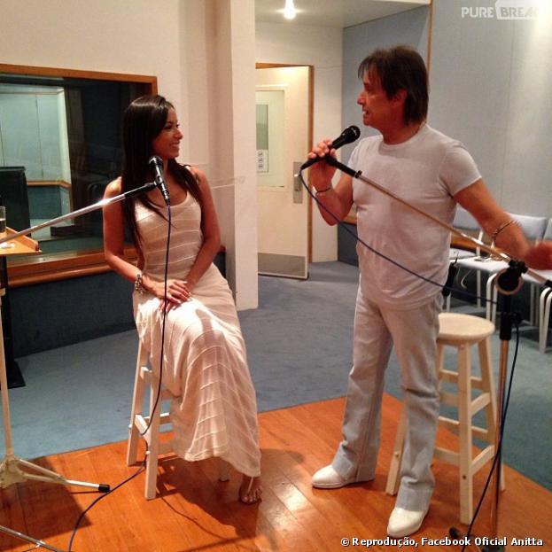 No especial de fim de ano do Roberto Carlos de 2013, Anitta irá cantar com o rei da MPB. A atração não tem data para ir ao ar, mas deve ser exibida entre o Natal e o Ano Novo