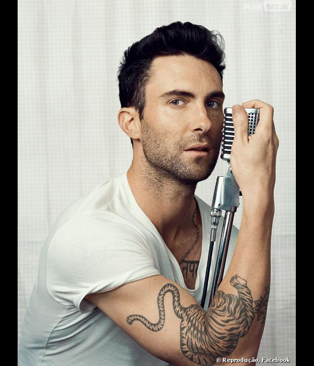 """Adam Levine é escolhido pela revista """"People"""" como o """"Homem Mais Sexy do Mundo"""" em 2013"""