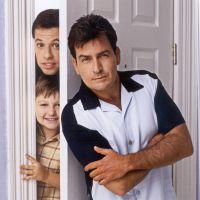 """Em """"Two and a Half Men"""": Na 12ª temporada, títulos dos últimos episódios se referem à Charlie!"""