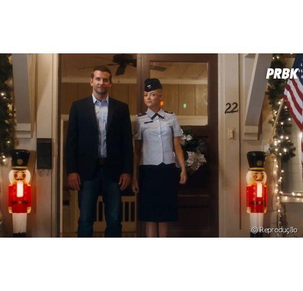 """Emma Stone e Bradley Cooper em """"Aloha"""""""