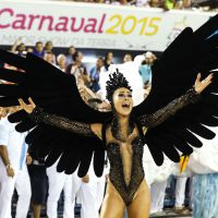 Sabrina Sato abre as asas de Cisne Negro e encanta Sapucaí com sua beleza!