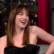"""De """"50 Tons de Cinza"""": Dakota Johnson (Anastasia) fala sobre saída de Charlie Hunnam do elenco"""