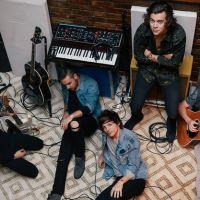 """One Direction ganha alfinetada de líder da banda Kasabian: """"Cinco fulanos que ganharam na loteria"""""""