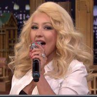 Christina Aguilera faz imitação de Britney Spears durante o programa de Jimmy Fallon!