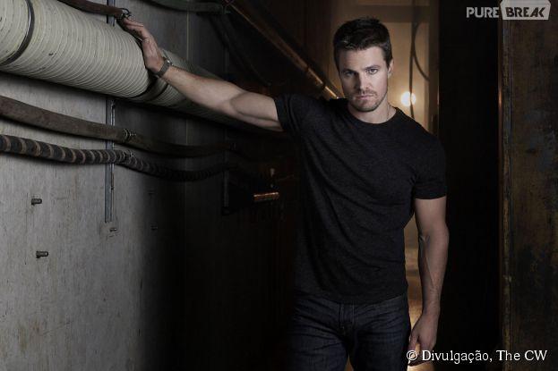 """Em """"Arrow"""", Oliver (Stephen Amell) tem um novo inimigo a caminho!"""