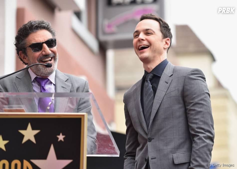 """Jim Parsons ri com o discurso de Chuck Lorre, produtor da série """"The Big Bang Theory"""""""