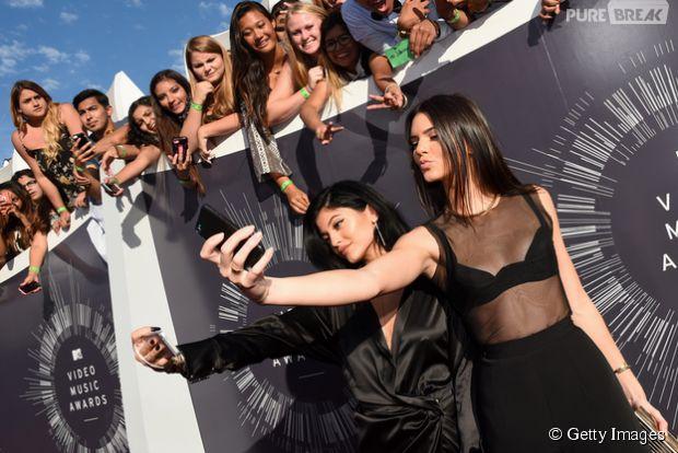 Kendall e Kylie Jenner seguem os passos de Kim Kardashian e anunciam lançamento de game