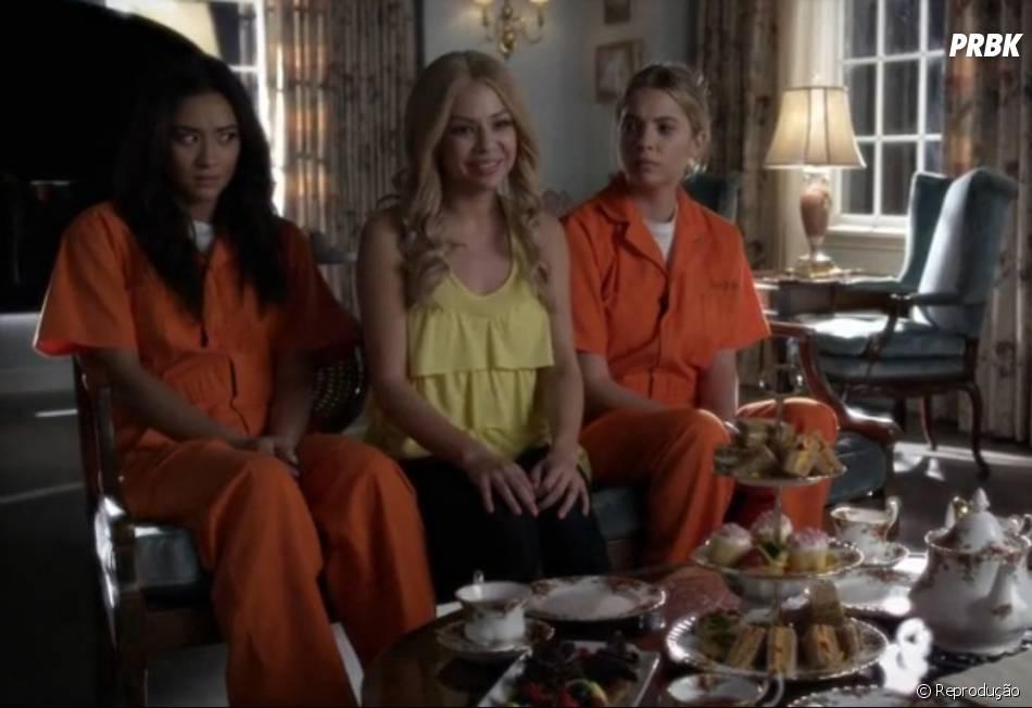 """Em """"Pretty Little Liars"""", Mona (Janel Parrish) continua com seus planos para se vingar de A"""