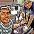 No dia 18 de ovembro, Caio Castro postou em seu Instagram uma imagem na qual aparece fazendo uma tatuagem. O pé de um bebê é a homenagem que o ator fez para a sua filha Valentina, que faleceu há 15 dias
