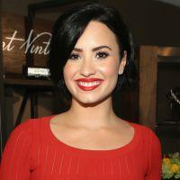 """Demi Lovato faz nova tatuagem e avisa aos fãs no Instagram: """"Não é uma piada de 1º de abril"""""""