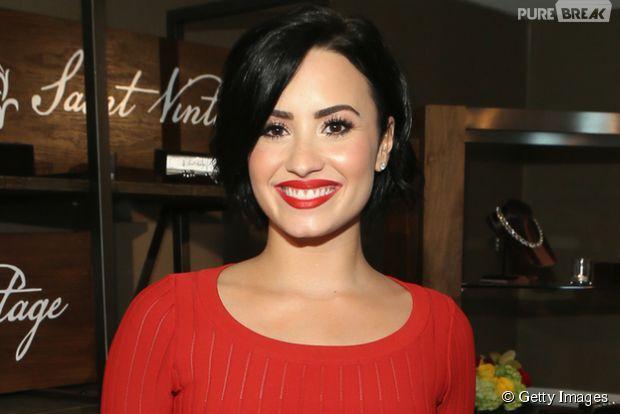 Demi Lovato faz nova tattoo e publica no Instagram