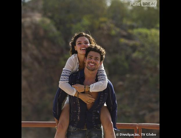 """Cauã Reymond e Ísis Valverde são os protagonistas de """"Amores Roubados"""""""