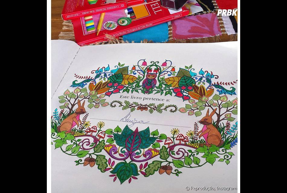 """O livro """"Floresta Encantada"""" já começa com uma ilustração para colorir da melhor forma"""