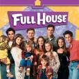 """A série que revelou as gêmas Mary-Kate e Ashley Olsen, """"Full House"""", recebeu o nome de """"Três é Demais"""". O que não faz nenhum sentindo porque moravam bem mais que três pessoas naquela casa!"""