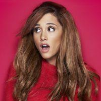 Ariana Grande faz show nos EUA e fã é preso por ser estranhamente obcecado pela cantora!