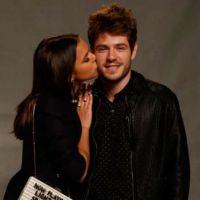 Bruna Marquezine é flagrada aos beijos com novo affair. Saudades Marlon Teixeira!