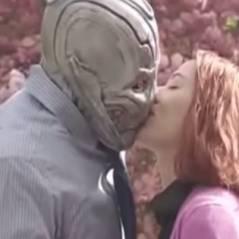 Viúva Negra (Scarlett Johansson) se apaixona por Ultron em trailer zoeira de filme solo. Assista!
