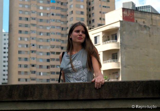 """Angel (Camila Queiroz) sofre bastante na primeira semana de """"Verdades Secretas"""""""