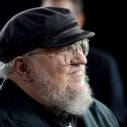 "Autor de ""Game of Thrones"" vai lançar livro para colorir no estilo ""Jardim Encantado"""
