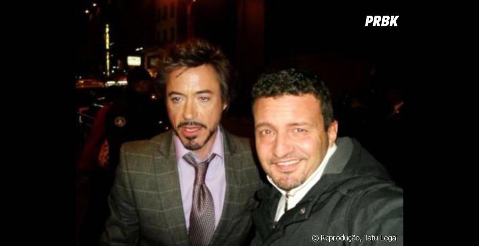 Robert Downey Jr com cara de quem não dormiu muito