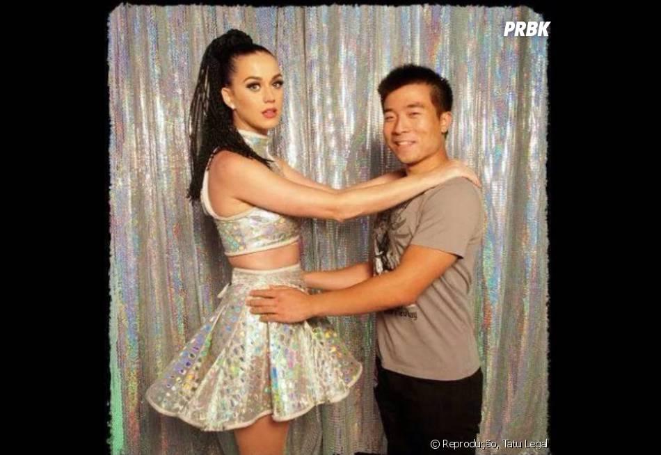 Katy Perry não ficou nem um pouco à vontade em tirar essa foto